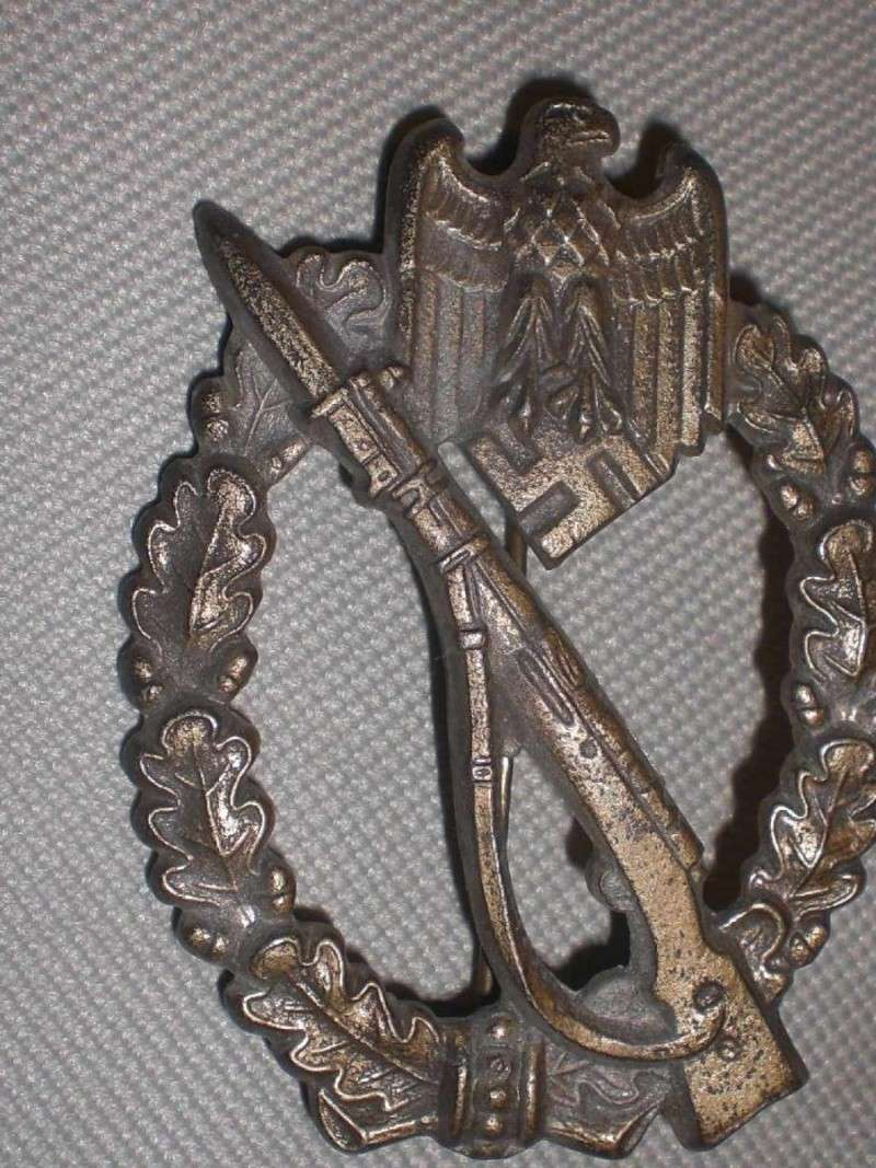 Vos décorations militaires, politiques, civiles allemandes de la ww2 - Page 2 Julien10