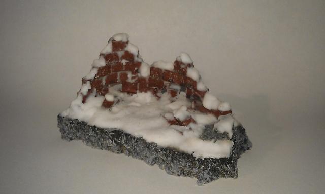 mon premier petit décor ruine effet neige Imag0411