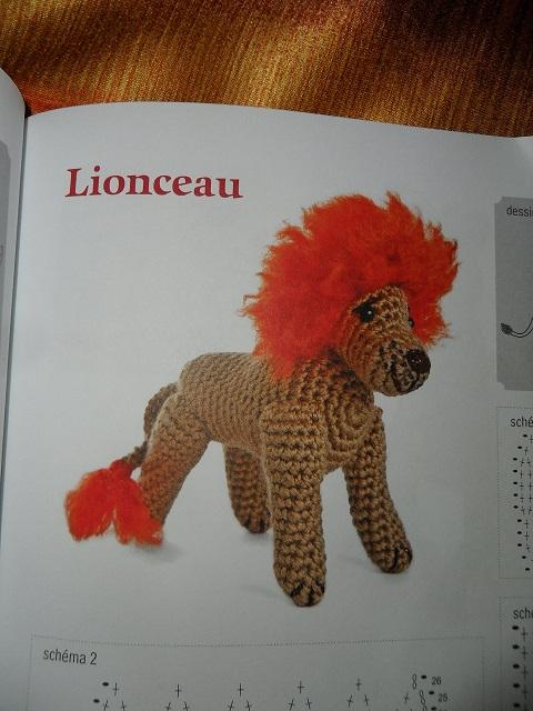 modèle lion en crochet pour Martine! Sam_2813