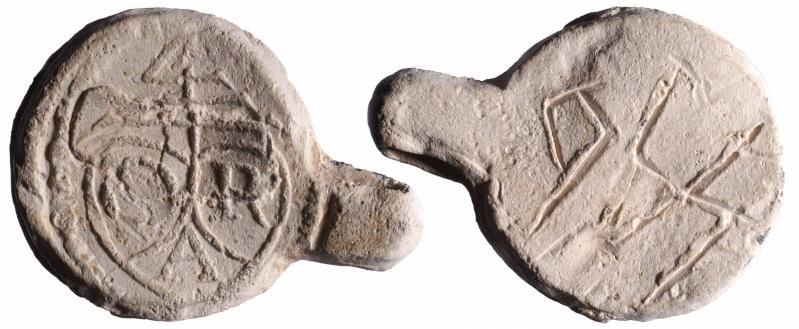 Aux initiales D.R.A.    D132310