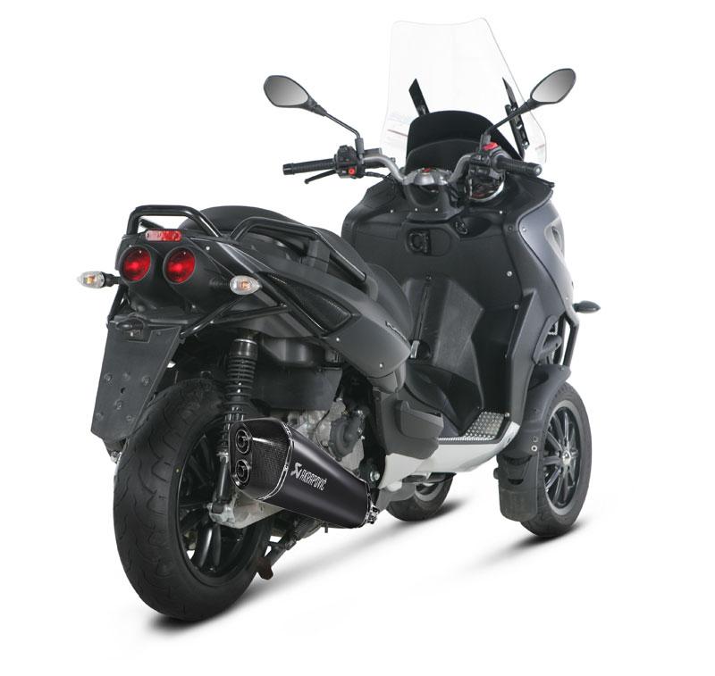 Nouvel Akrapovic pour nos scooters 3 roues ! Akrapo10