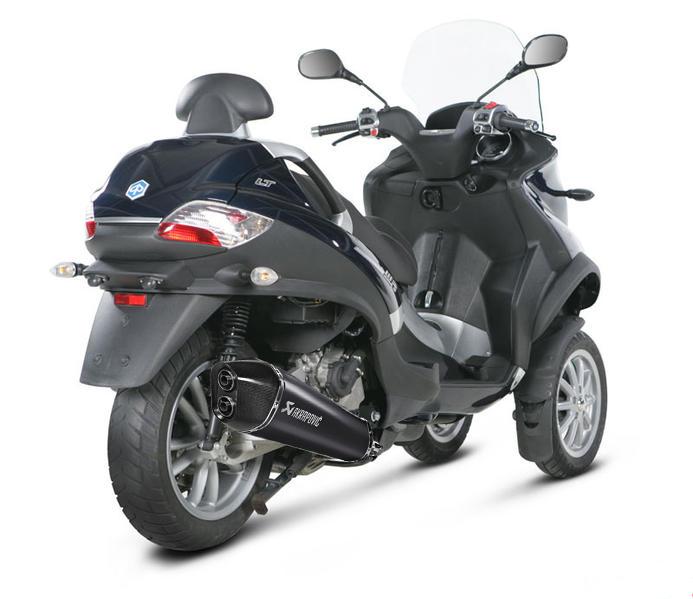 Nouvel Akrapovic pour nos scooters 3 roues ! Akrapo11