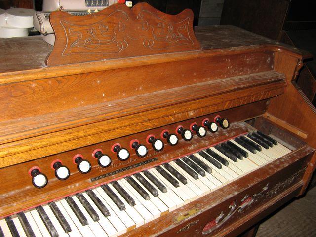 J'ai un harmonium à vendre Img_6812