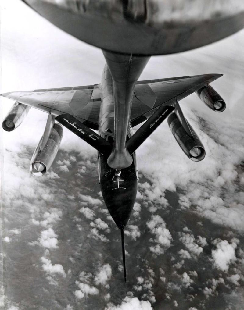 Montre.....Doxa? Et autres ( Images Epoque Vietnam) B-58-h10