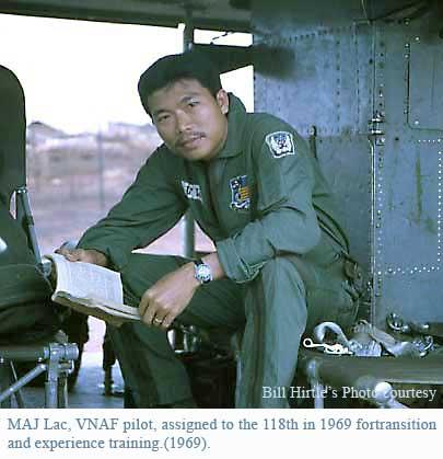Montre.....Doxa? Et autres ( Images Epoque Vietnam) Vnaf_t10