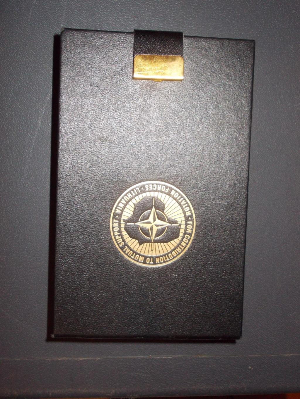 deux médailles en coffré pour estimation  Dscn0710