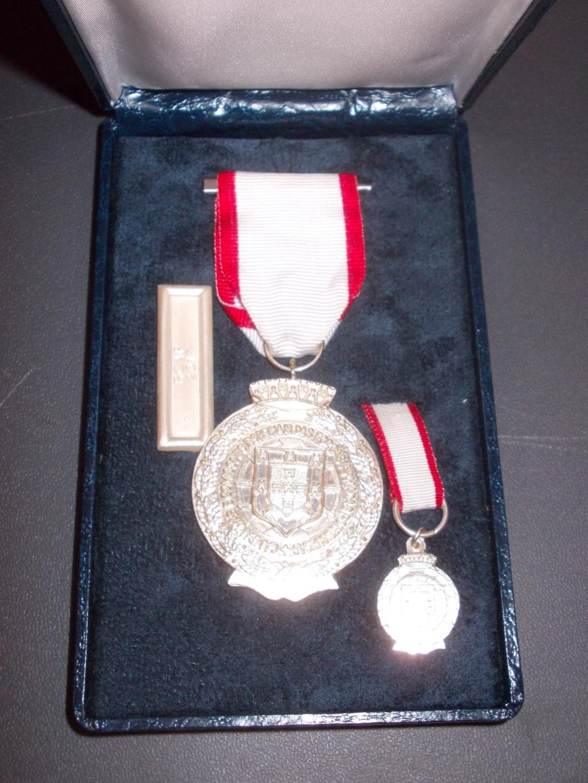 deux médailles en coffré pour estimation  Dscn0713