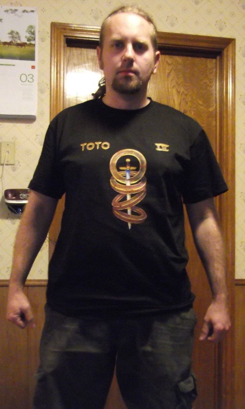 What T-shirt are you wearing today (and Why?) - Page 4 Toto10