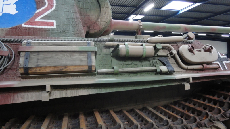 Jagdpanther Tamiya (char fini) 1/35 - Page 2 Dsc04512