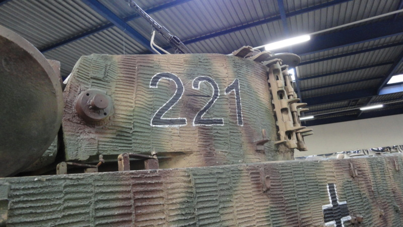 Jagdpanther Tamiya (char fini) 1/35 - Page 2 Dsc04610