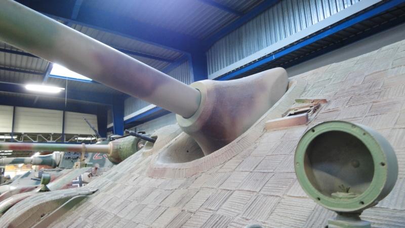 Jagdpanther Tamiya (char fini) 1/35 - Page 2 Dsc04910