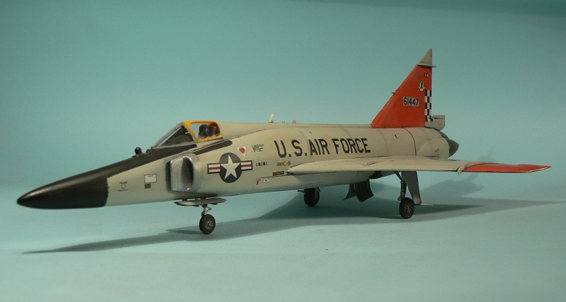 [Hasegawa] Convair F-102 Delta Dagger 1-111