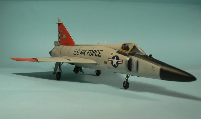 [Hasegawa] Convair F-102 Delta Dagger 1-411
