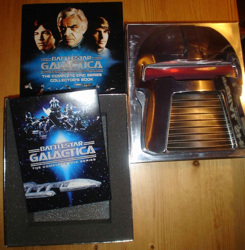 Does anyone else collect vintage Battlestar Galactica? Dsc06315