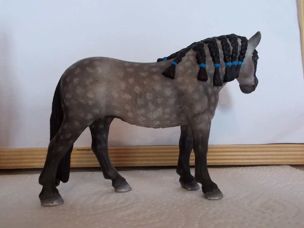 I started with repainting - Schleich horses - Page 4 Andalu10