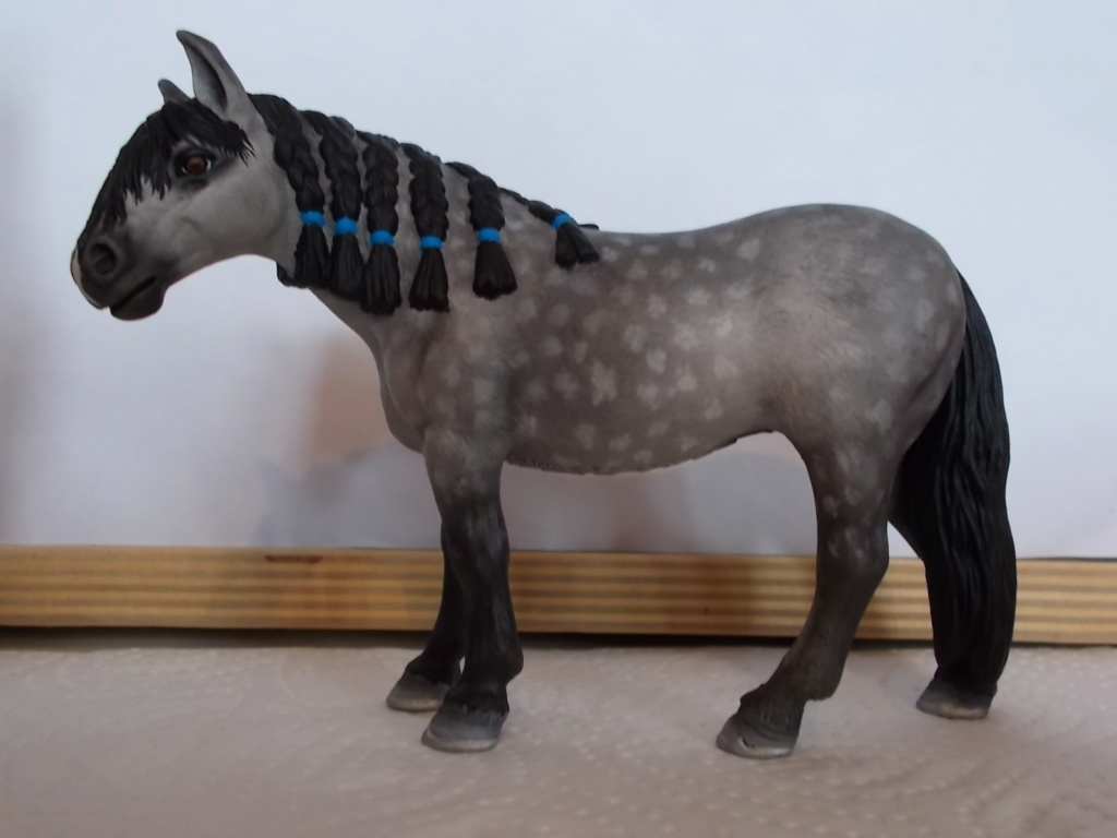 I started with repainting - Schleich horses - Page 4 Andalu11