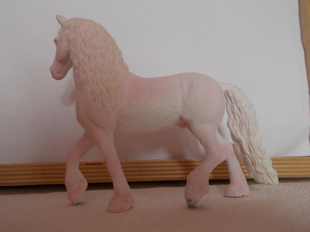 I started with repainting - Schleich horses - Page 4 Freise11