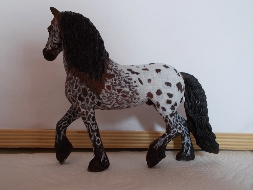 I started with repainting - Schleich horses - Page 4 Friese11
