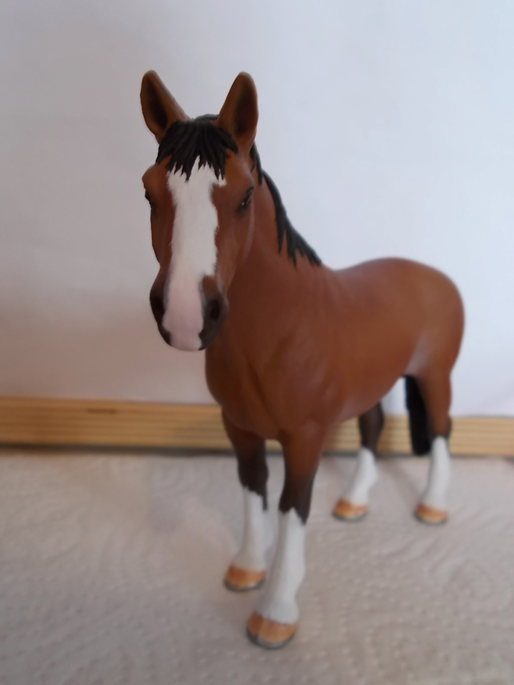 I started with repainting - Schleich horses - Page 4 Hannov15
