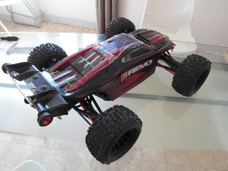 mon revo 3.3 transformer en e-revo brushless - Page 3 Sam_0413