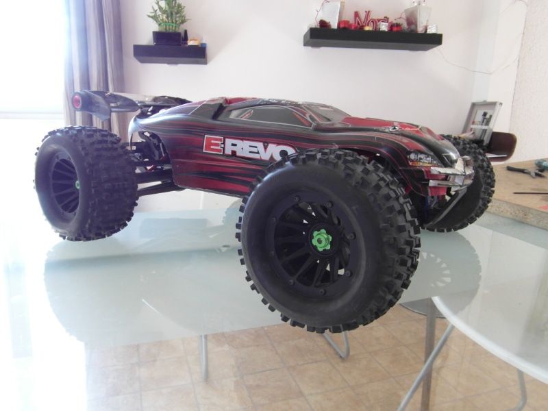 mon revo 3.3 transformer en e-revo brushless - Page 3 Sam_0415