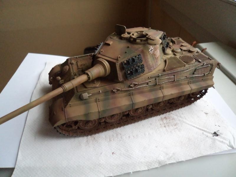 Me revoila avec un Tigre II (Dragon 1/35) - Page 3 Dsc01332