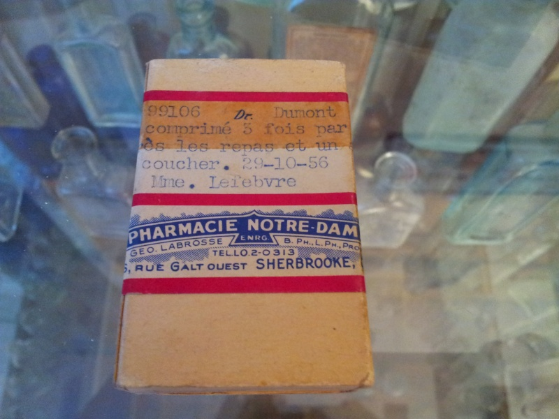 Boite de pillule de pharmacie de Sherbrooke 00915