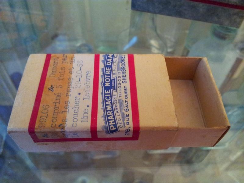 Boite de pillule de pharmacie de Sherbrooke 01112