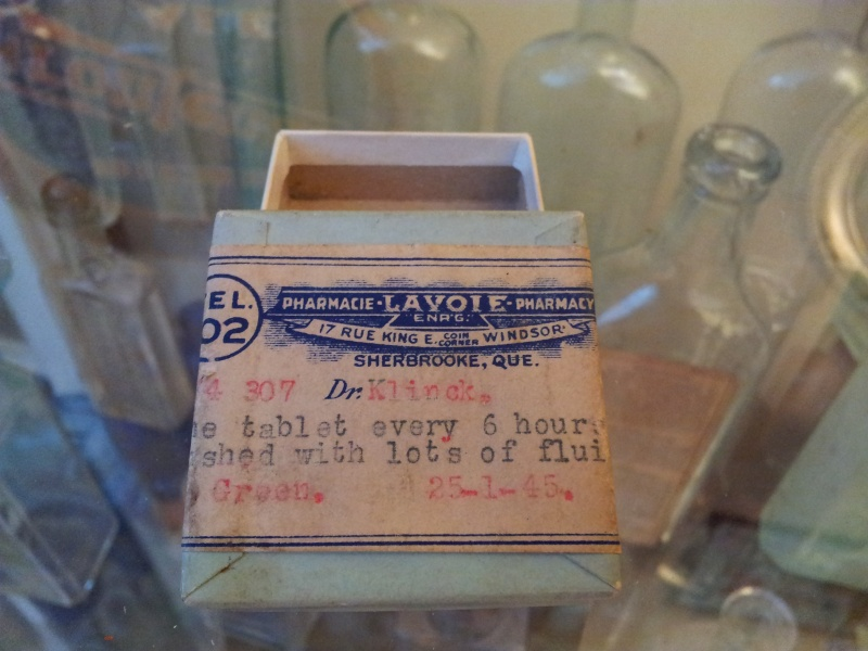 Boite de pillule de pharmacie de Sherbrooke 01612