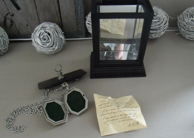 Les bijoux de l'univers Harry Potter (colliers,bagues,épée, etc) - Page 5 Gedc2019