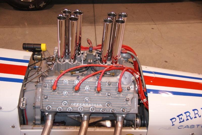 Slingshot & vintage dragster  01281020
