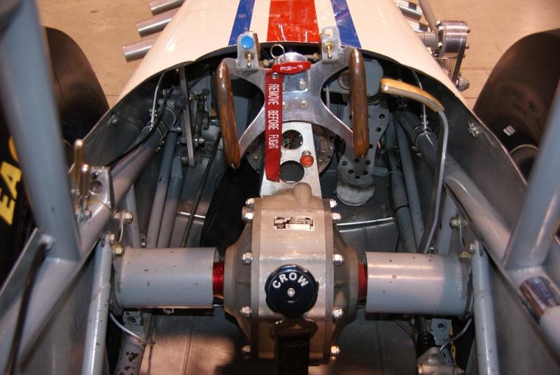 Slingshot & vintage dragster  01281021