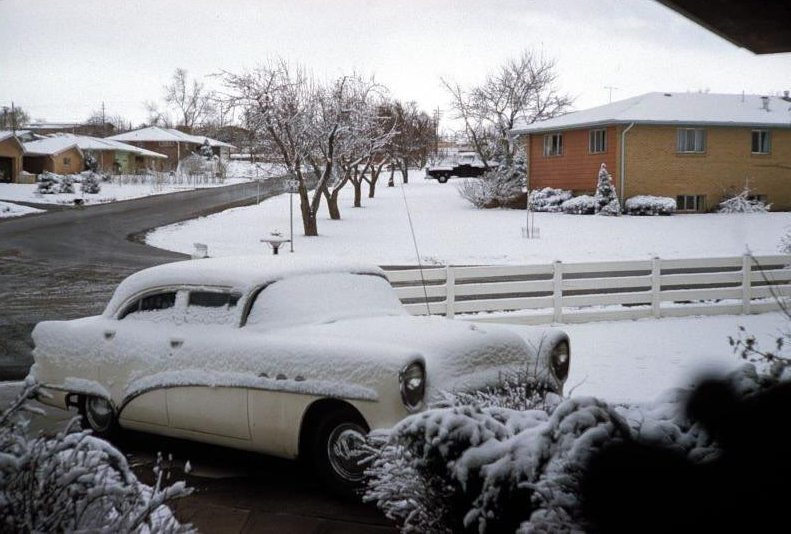 voitures et neige, cars and snow 20111233
