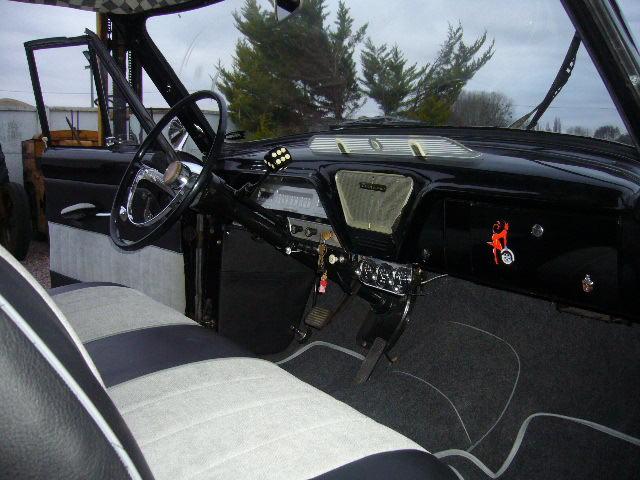 Simca Vedette customs - Page 3 P1040711