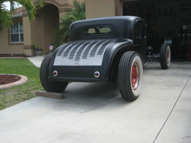 1932 Ford hot rod - Page 2 T2ec1556