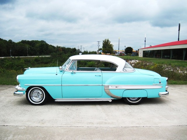 Chevy 1953 - 1954 custom & mild custom galerie - Page 2 T2ec1640