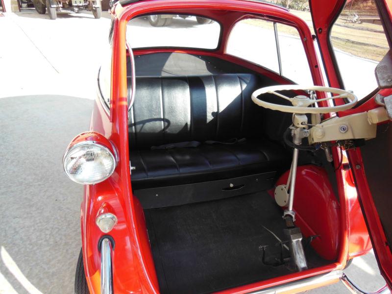 Microcar et voitures électriques T2ec1874
