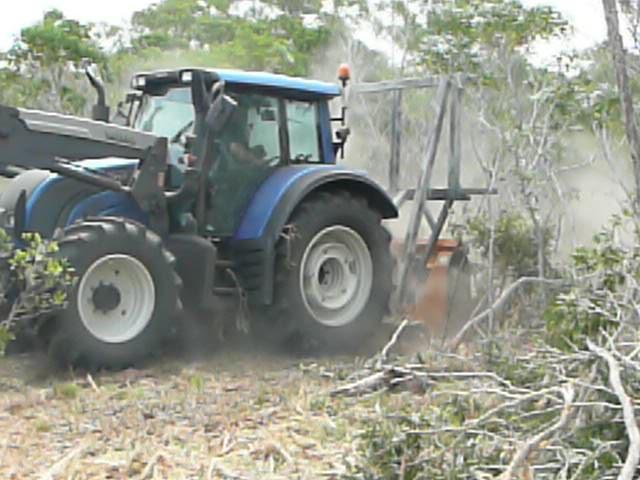 Photos de vos tracteurs - Page 3 Chanti10