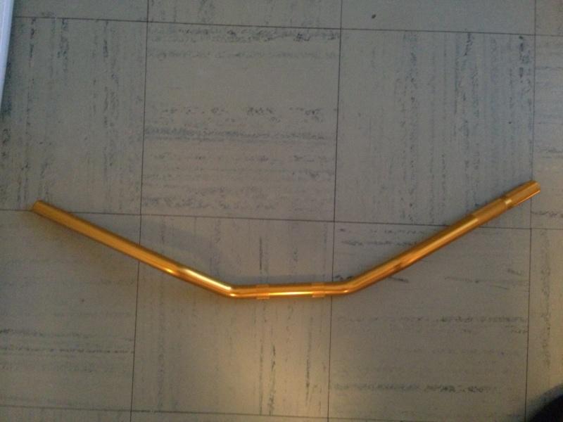 [VENDU] guidon or universelle 75 cm neuf Img_1414