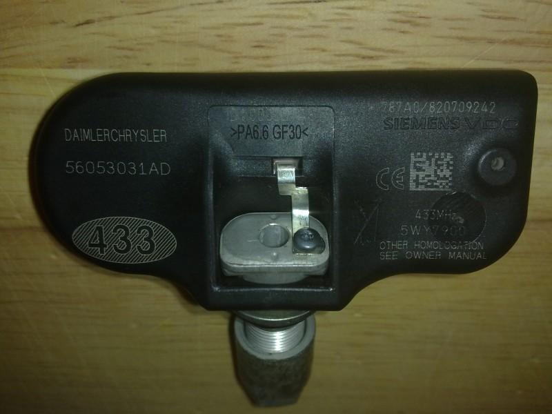 Capteur pression pneus réf. 56053031AD 18032010