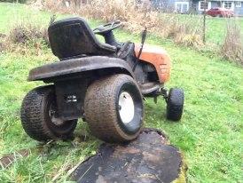 craftsman crawler/muddin mower Mower10