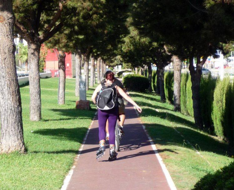 Huelva se merece un verdadero carril bici Carril11