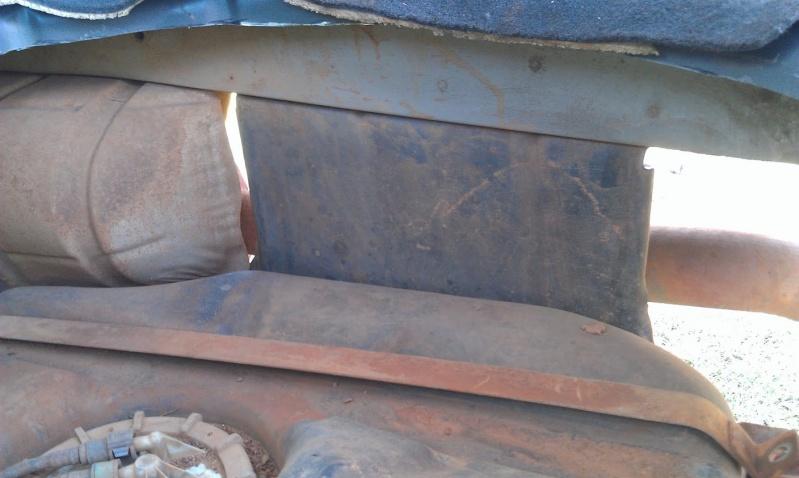 Rehausse d'un reservoir d'essence de WJ Imag0215