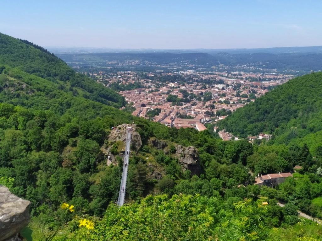 Occitanie - Sortie : Passerelle de Mazamet et ville de Hautpoul le jeudi 21  Img_2023
