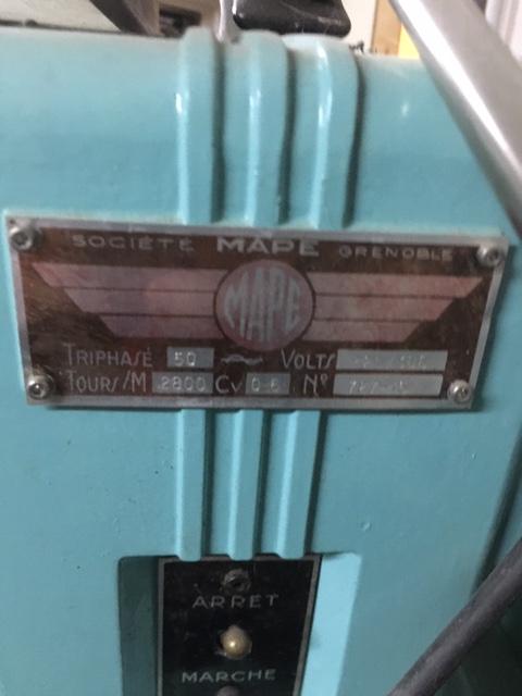 Affûteuse outils de tour a métaux Img_8912