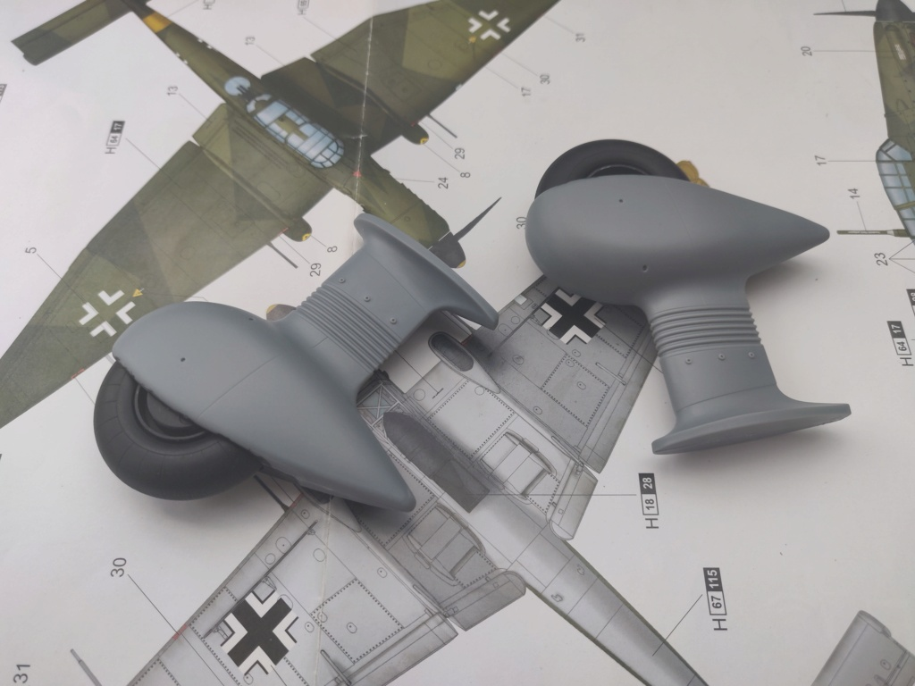 Junkers JU-87D-5 Trumpeter 1/24 - Page 3 Img_2070