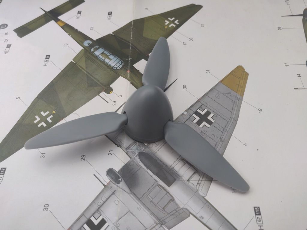 Junkers JU-87D-5 Trumpeter 1/24 - Page 3 Img_2071
