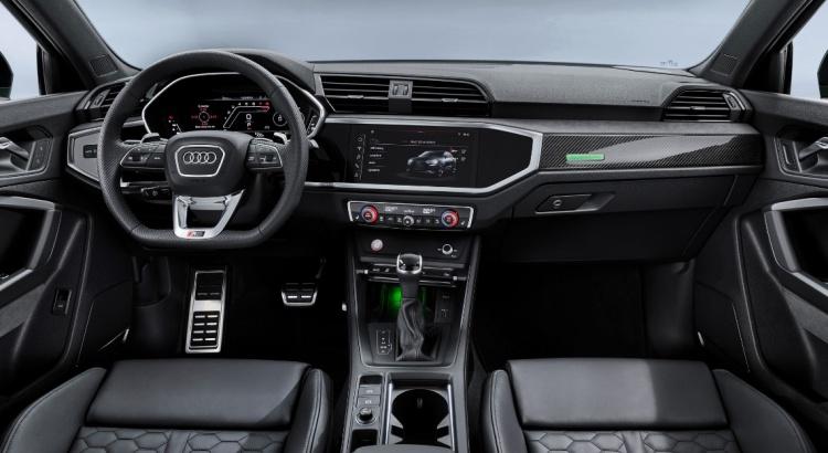 2018 - [Audi] Q3 II - Page 9 Audi-r14