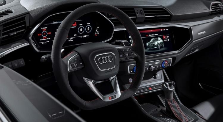 2018 - [Audi] Q3 II - Page 9 Audi-r15