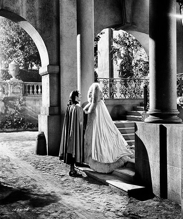 Marie Antoinette avec Norma Shearer (Van Dyke) - Page 11 Bec13a10